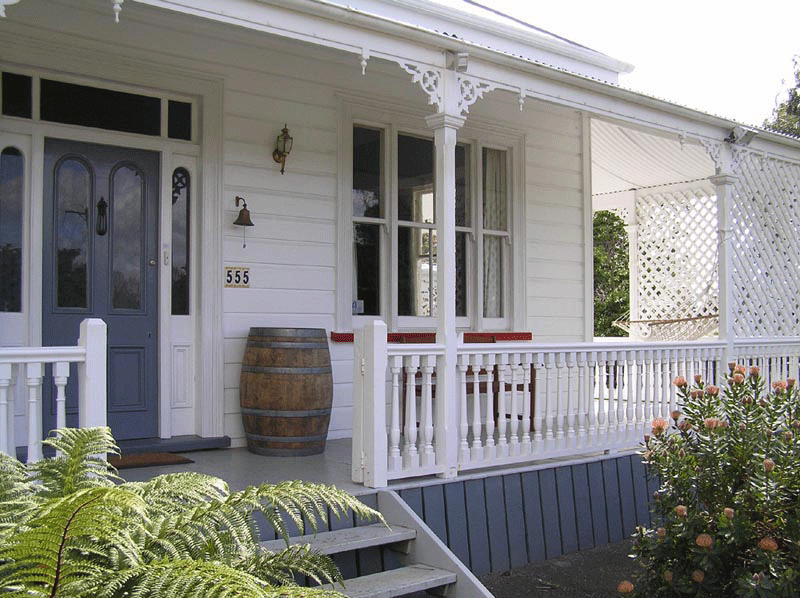 Front of Lupton Lodge looking towards the Suite Lounge